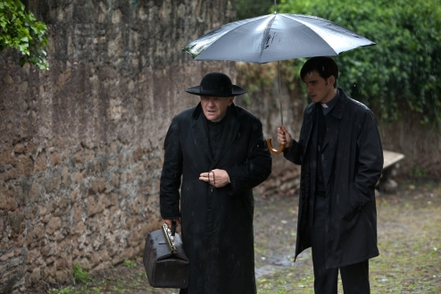 Le Rite : Photo Anthony Hopkins, Colin O'Donoghue - Copyright Warner Bros. France