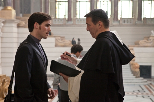 Le Rite : Photo Ciarán Hinds, Colin O'Donoghue, Mikael Hafstrom - Copyright Warner Bros. France